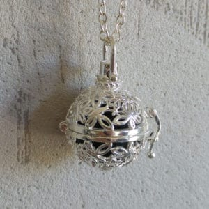 Parfum medaillon vlinder - diffuser aroma ketting lavasteen