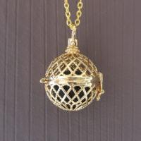Diffuser aroma medaillon ruitjes goud parfum medaillon lavasteen