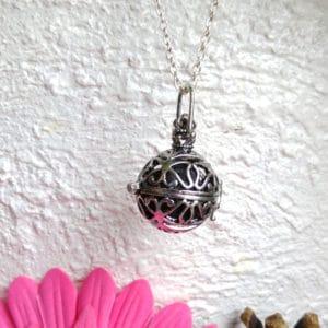 Ketting parfum medaillon vlinder diffuser lavasteen hanger