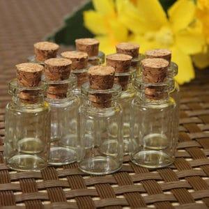 Kurk flesje glas 0.5 ml - kleine monster, wens, geur flesjes 18 mm.