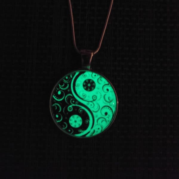 Ying Yang halsketting glow in the dark